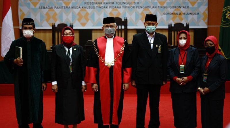 Pengambilan Sumpah Jabatan dan Pelantikan Panitera Muda Perdata dan Panitera Muda Khusus Tindak Pidana Korupsi Pengadilan Tinggi Gorontalo