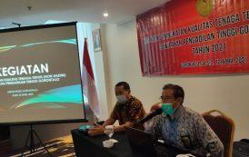 Wakil Ketua Pengadilan Tinggi Gorontalo Menutup Kegiatan Peningkatan Kualitas Tenaga Teknis (Non Hakim) Se-Wilayah Pengadilan Tinggi Gorontalo